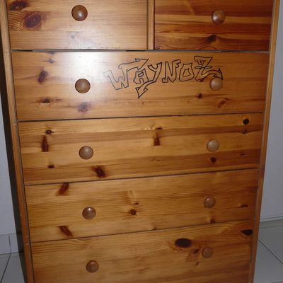 Commode en pin