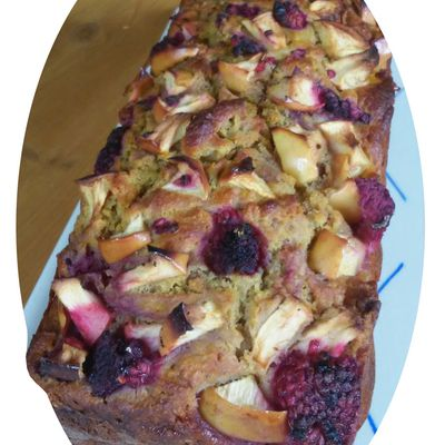Cake à la ricotta, pommes & framboises - IG bas