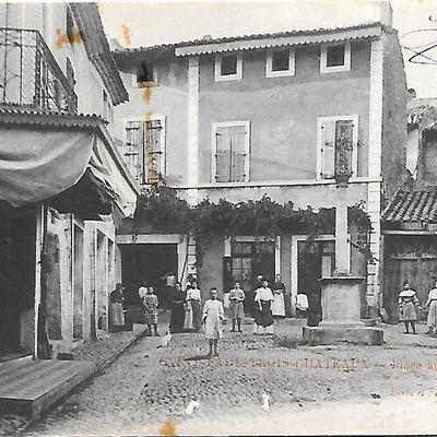Place Aux Herbes à Saint-Paul-Trois-Châteaux
