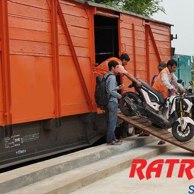 Vận chuyển hàng hóa, xe máy bằng đường sắt từ Nam ra Bắc giá rẻ