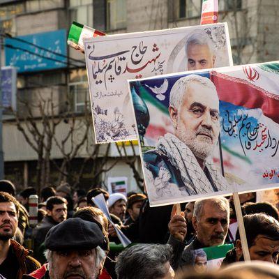 """Iran - Les craintes d'une explosion sociale (REVUE - """"Conflits"""" Mai 2020)"""
