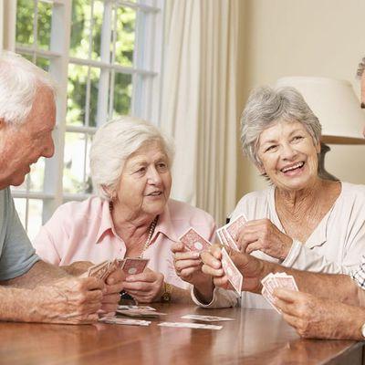 Korian noue un partenariat avec Ages & Vie pour développer le concept novateur de colocation pour les aînés.