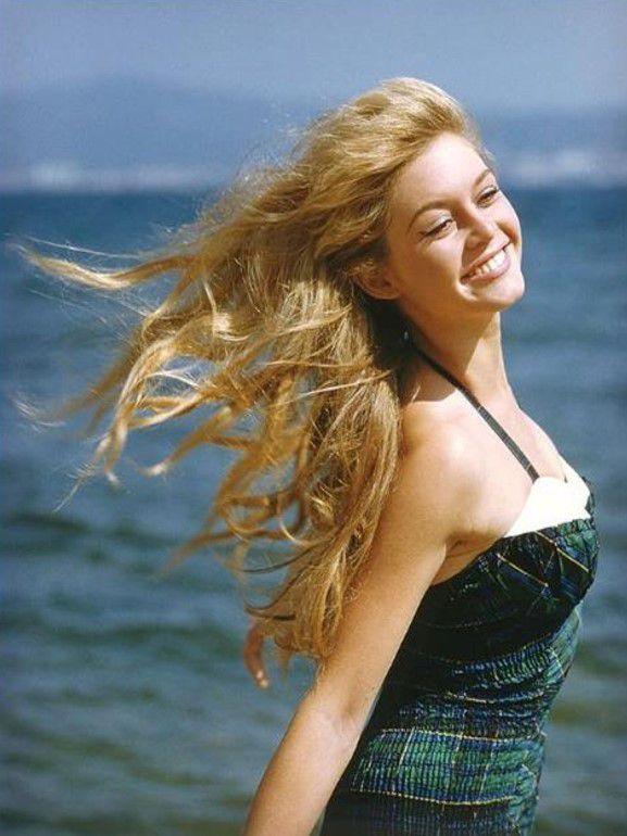 S'inspirer de Brigitte Bardot pour s'habiller cet été...