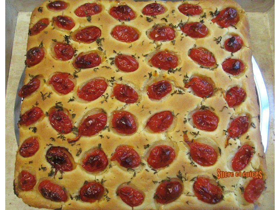 Focaccia des Pouilles aux tomates cerises et à l'origan